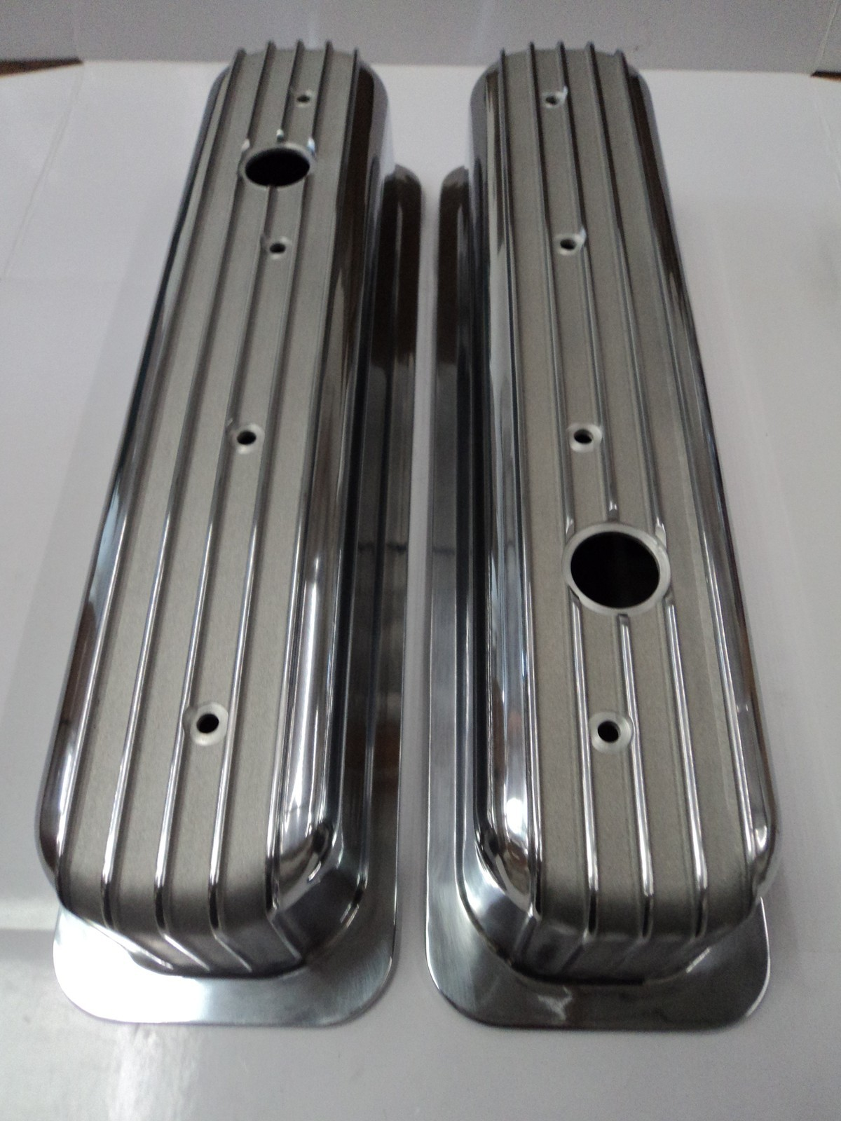 Finned Aluminum Valve Covers Centerbolt Chevy Tall