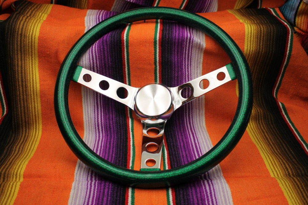 Mooneyes California Metalflake 13in 3 Hole Steering Wheel Green