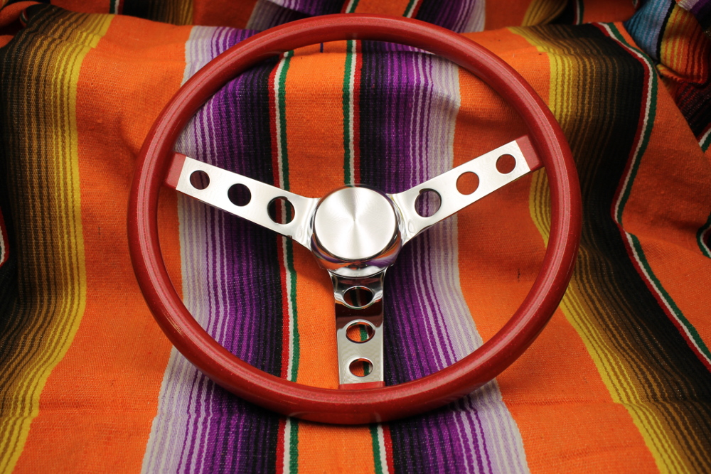 Mooneyes California Metalflake 13in 3 Hole Steering Wheel Red
